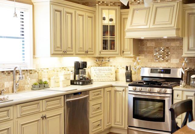Smith Kitchen ~ HERITAGE WHITE - Traditional - Kitchen - dallas - by ...