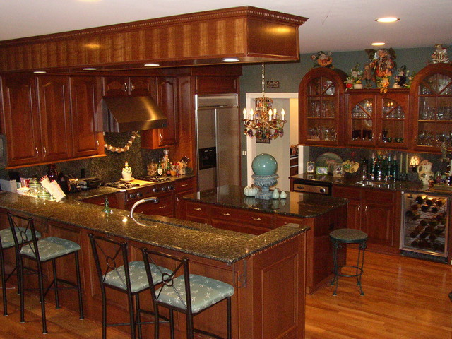 Snack Bar And Island Kitchen