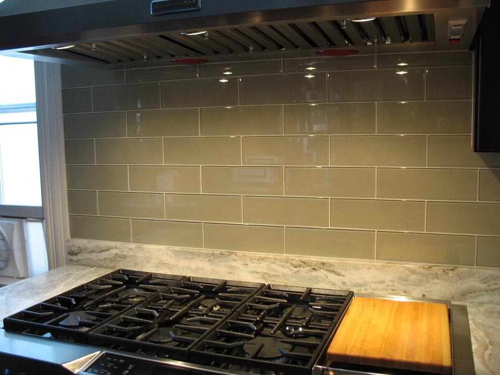 So Bossy Gray Modern Kitchen
