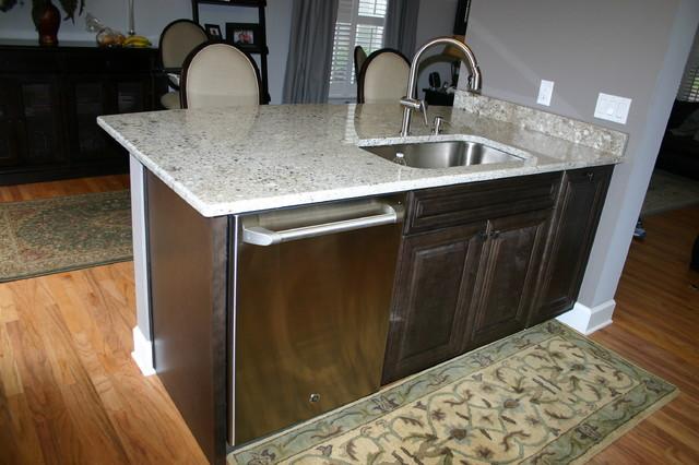 So. Tampa Elegant Charcoal Kitchen traditional-kitchen