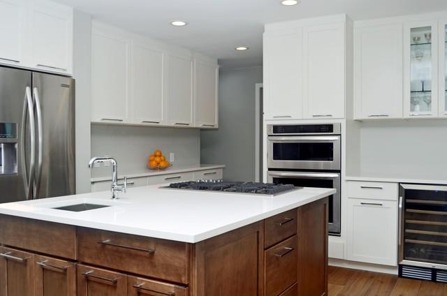 Socal kitchens contemporary kitchen los angeles by for Contemporary kitchen cabinets los angeles