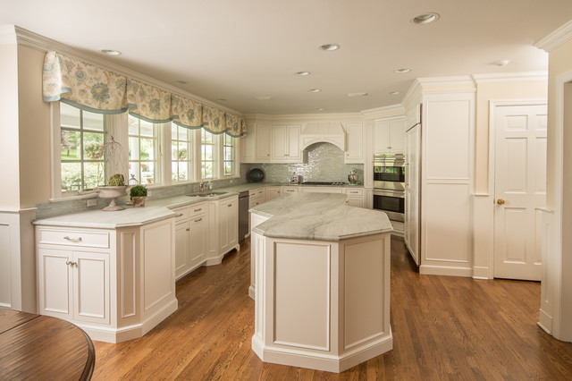 Soft White Custom Cabinets In Ct Traditional Kitchen New York By Ackley Cabinet Llc