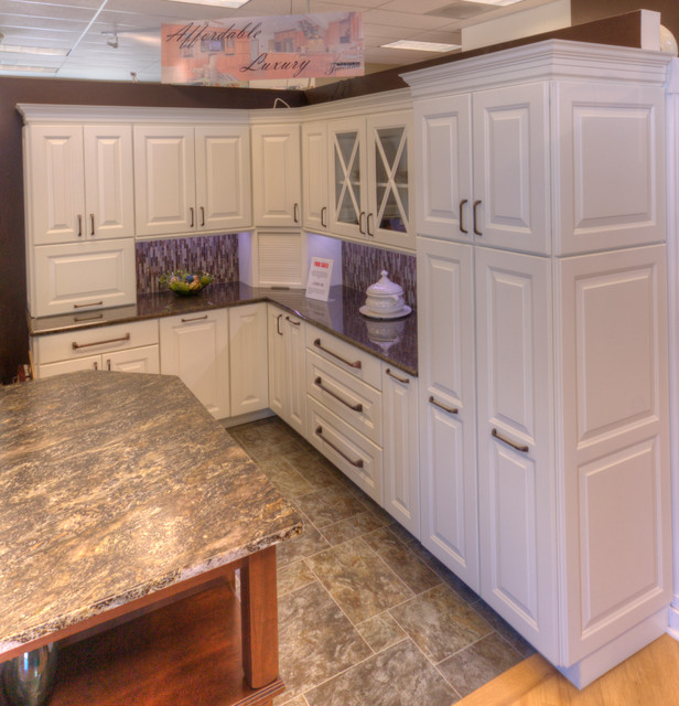 For sale traditional kitchen seattle by cabinets for Kitchen cabinets seattle