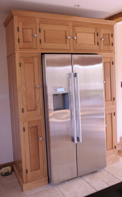 Solid oak bespoke handbuilt fitted kitchen traditional for Oak fitted kitchen