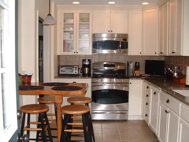 Somerset Kitchen traditional-kitchen