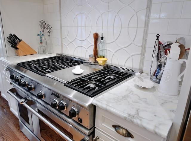 Sonny's Kitchen traditional-kitchen