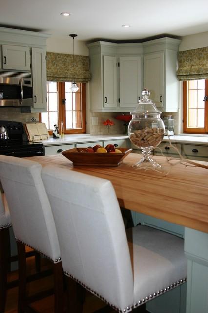 Sonya Kinkade Design traditional-kitchen