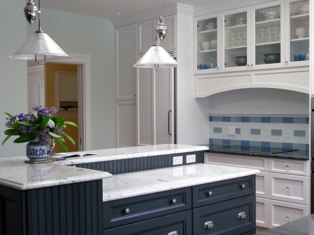 Sooke Country charm for an egg farm! traditional-kitchen