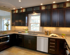 Need your opinion is it in or out to decorate above - What to do with the space above kitchen cabinets ...