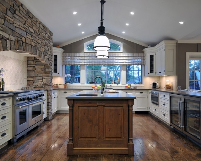 Sophisticated Country Kitchen traditional-kitchen