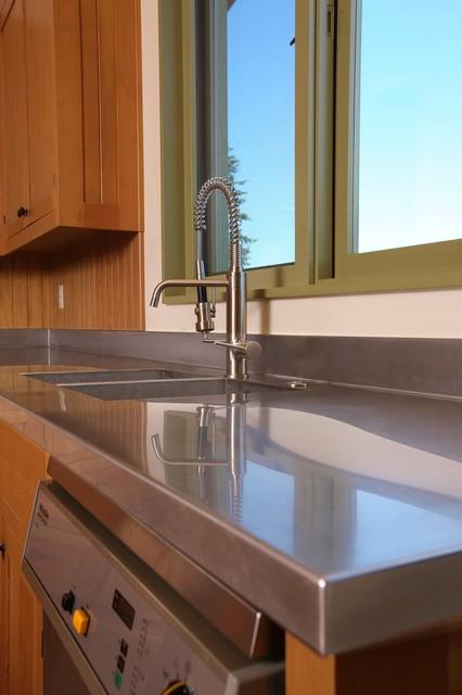 Soter Vineyard Tasting Room farmhouse-kitchen