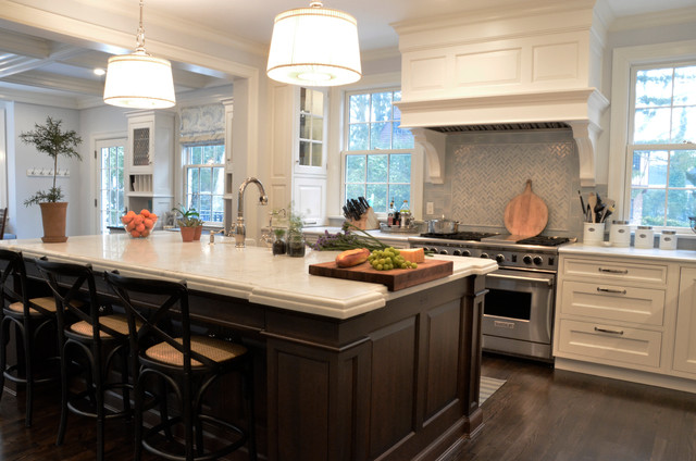 Sound rd traditional kitchen new york by studio for Open kitchen island with seating