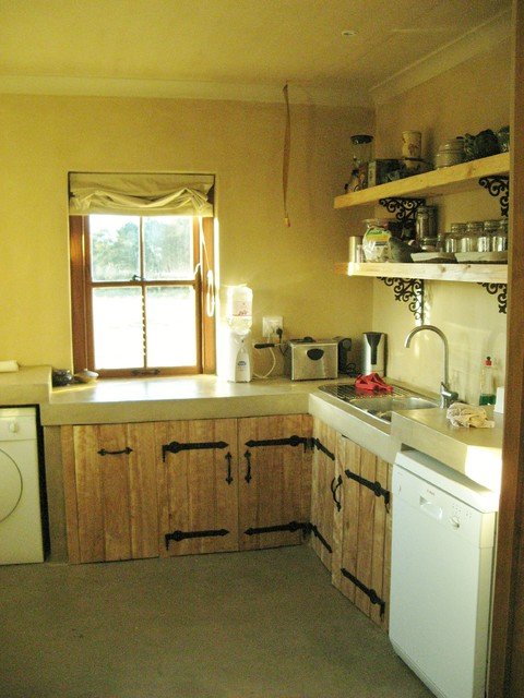 South african farmhouse country kitchen amsterdam for Country kitchens south africa