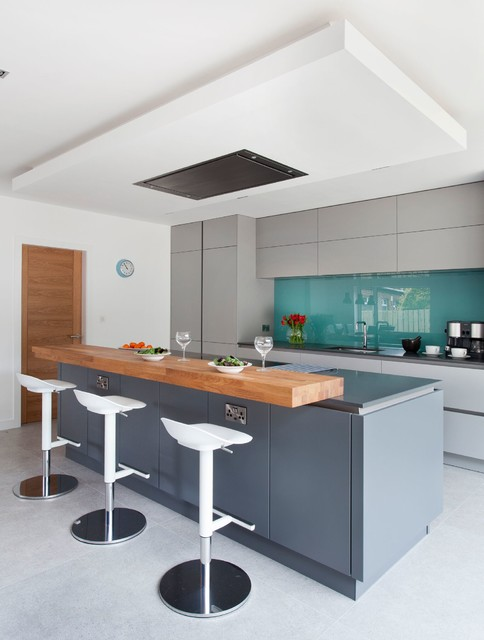Photo of a contemporary kitchen in Belfast.