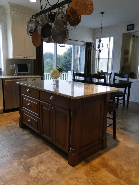 South County Hills traditional-kitchen
