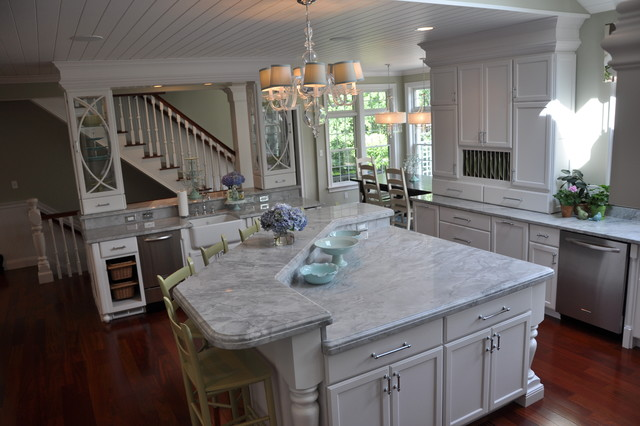 South Hamilton Traditional Kitchen Boston By Kelly Moynihan Lumber Of Plaistow