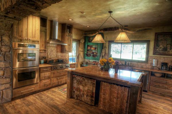 South texas ranch in montagna cucina austin di for Costruttori di case in stile ranch in texas