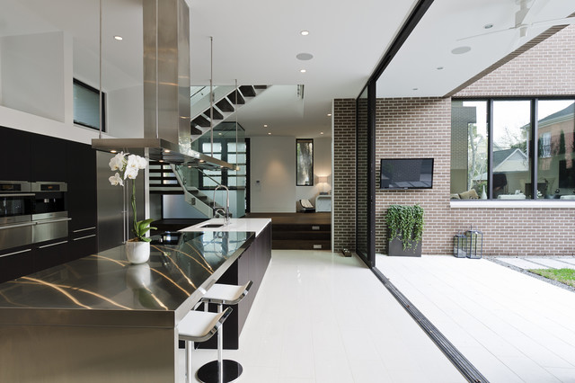 Southampton contemporary-kitchen