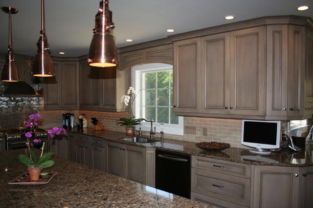 Southampton, NY traditional-kitchen