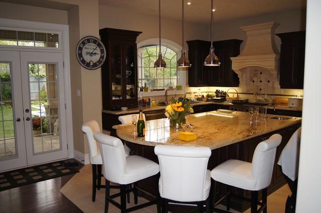 Southeast Oakville Kitchen Traditional Kitchen