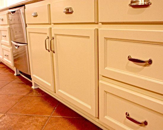 Galley Kitchen Design Photos with Shaker Cabinets and Beige Cabinets