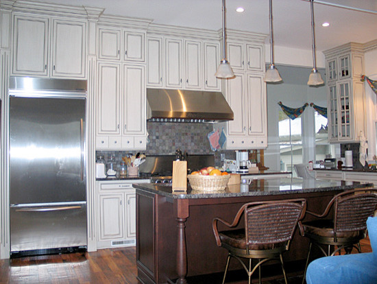 Southern elegance traditional kitchen charleston for Southern kitchen design