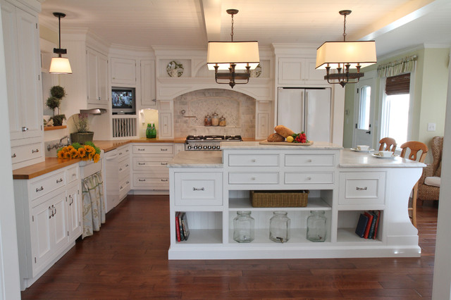 Southern kitchen farmhouse kitchen cleveland by for Southern style kitchen ideas