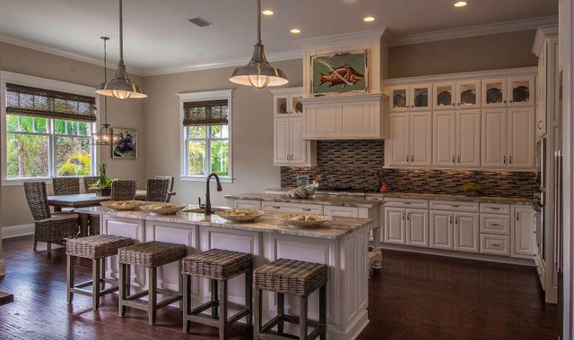 Southern style home interiors home design and style for Southern living kitchen designs
