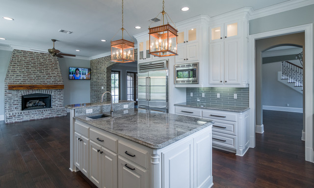 Southern Trace Carmen 39 S Court Traditional Kitchen By Vintage Constr