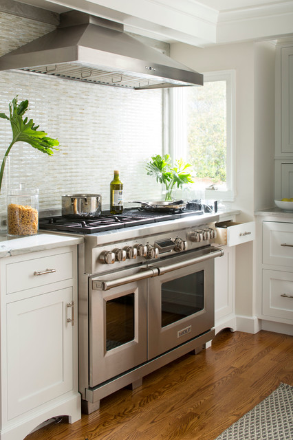 Southport Kitchen With Tile Glamour Transitional