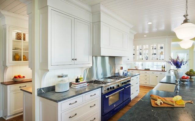 Southwood Drive - Traditional - Kitchen - Minneapolis - by ...