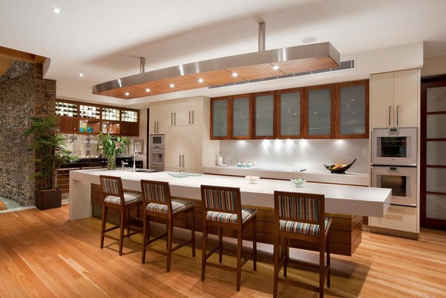 Sovereign Island Residence tropical-kitchen & Sovereign Island Residence - Tropical - Kitchen - Brisbane - by Paul ...