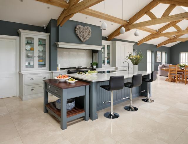 Spacious Open Plan Kitchen Contemporary Kitchen