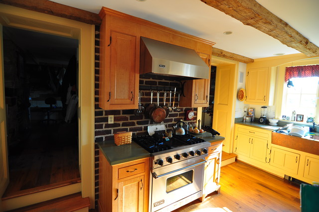 Butler traditional-kitchen