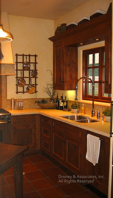Spanish Home traditional-kitchen