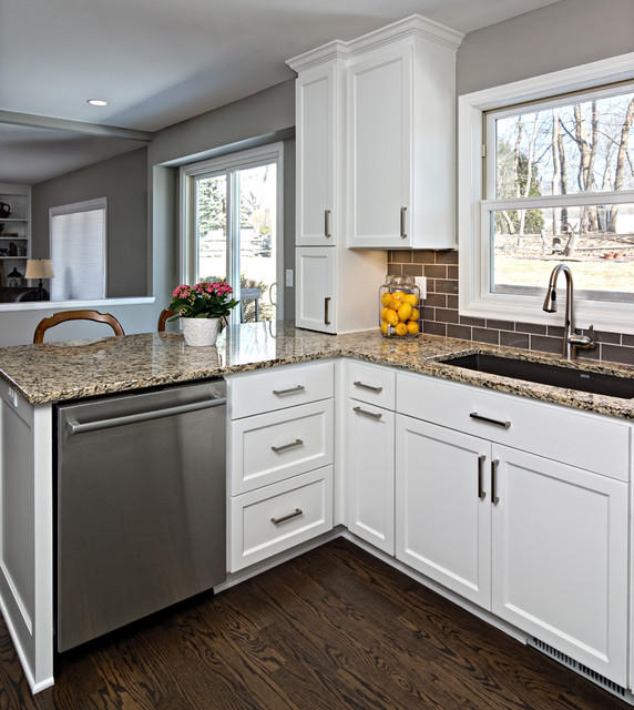 colors for kitchen 2015 remodelers showcase transitional kitchen 2358