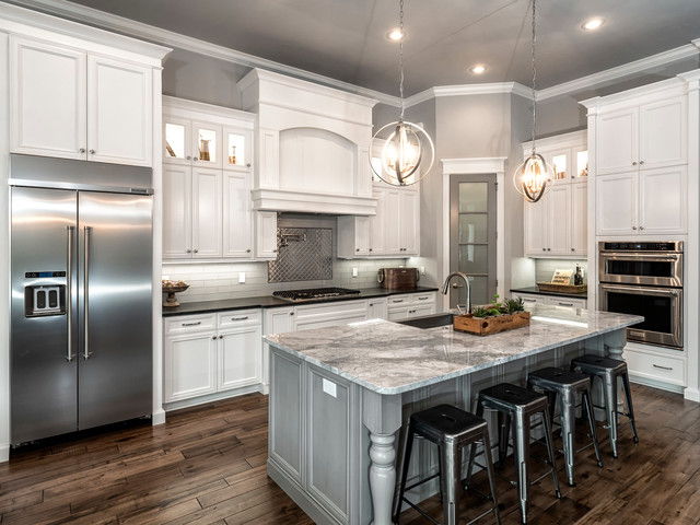 Spring Parade- Town of Tioga II - Traditional - Kitchen - Miami - by Carson's Cabinetry & Design