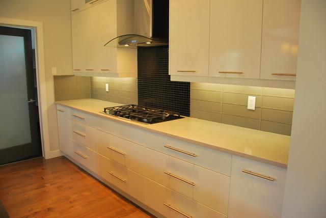 St Albert Estate Traditional Kitchen Edmonton By Edmonton Kitchen Bath Cabinet Inc