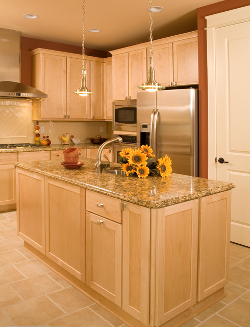 St. Andrews Circle traditional-kitchen