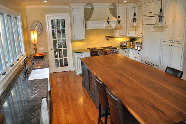 St. Ives traditional-kitchen