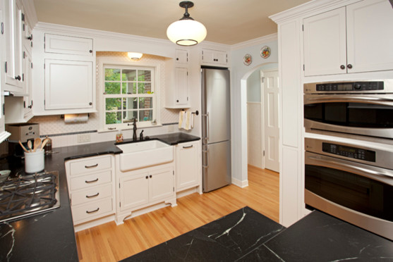 St.Paul Charming update to 1940's Kitchen - Traditional - Kitchen - Minneapolis - by New Spaces