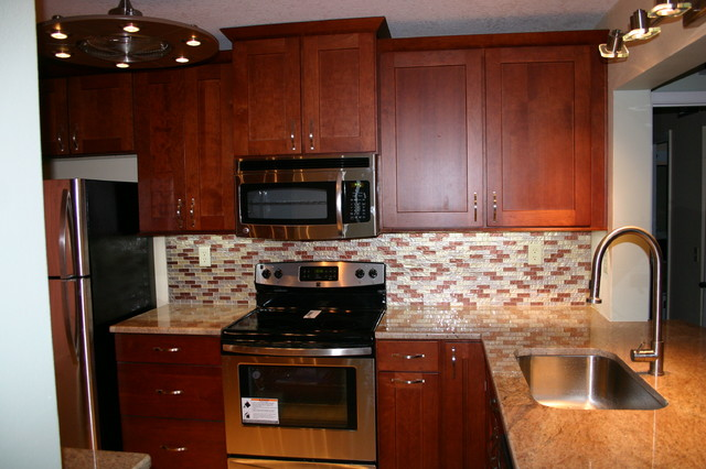 ... Kitchen Condo - Traditional - Kitchen - tampa - by Fusion Cabinets