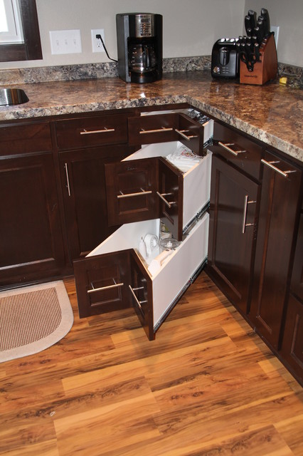 Staggered Kitchen Cabinets With Hidden Pantry Modern Kitchen