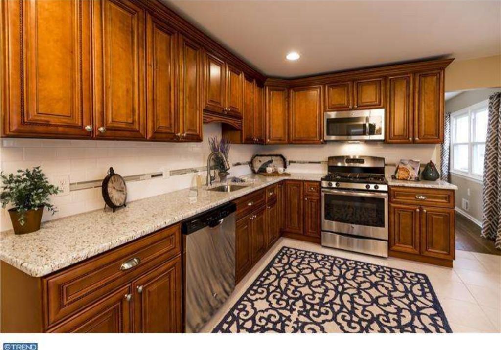 Staging - Kitchen (East Windsor)