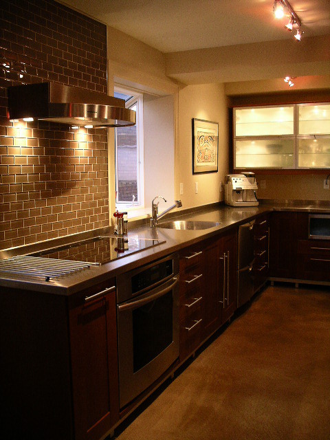 Stainless steel countertop by ridalco kitchen for Stainless steel kitchen countertop