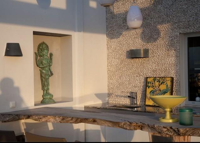 Standing Java Pebble Tile Outdoor Patio eclectic-kitchen