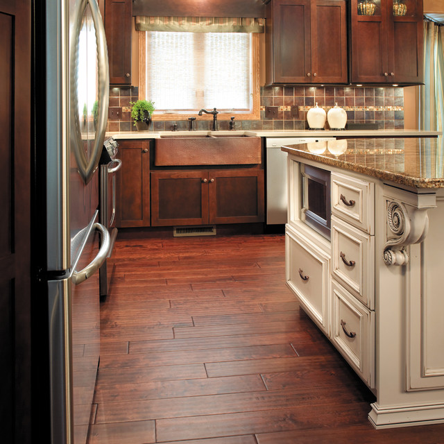 Starmark cabinetry kitchen and hutch in two colors for Traditional kitchen color schemes