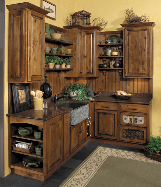StarMark Cabinetry Kitchen In Rustic Alder In Butterscotch With Ebony  Glaze. Traditional Kitchen