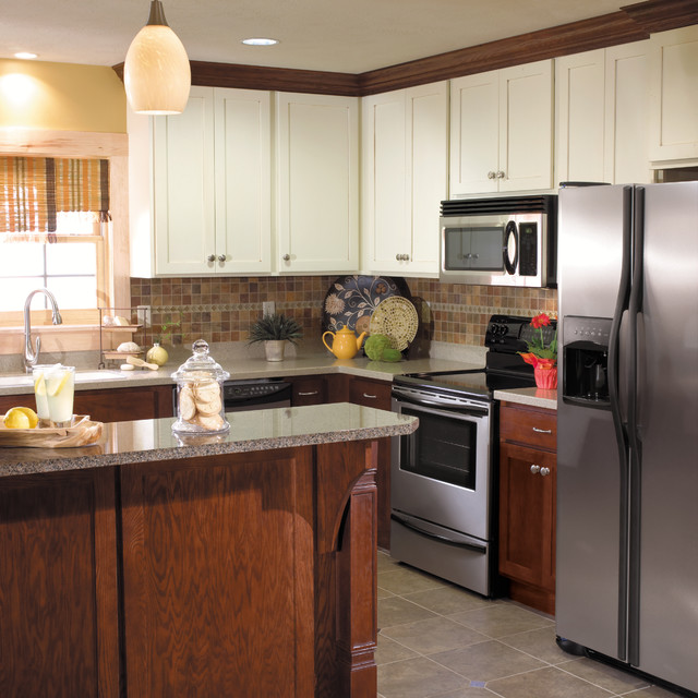 Two Tone Cabinets In Small Kitchen: StarMark Cabinetry Two-Tone Kitchen In Maple And Oak