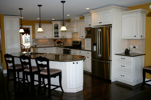 Stauton Road Naperville IL Traditional Kitchen Chicago By Cabinets 4